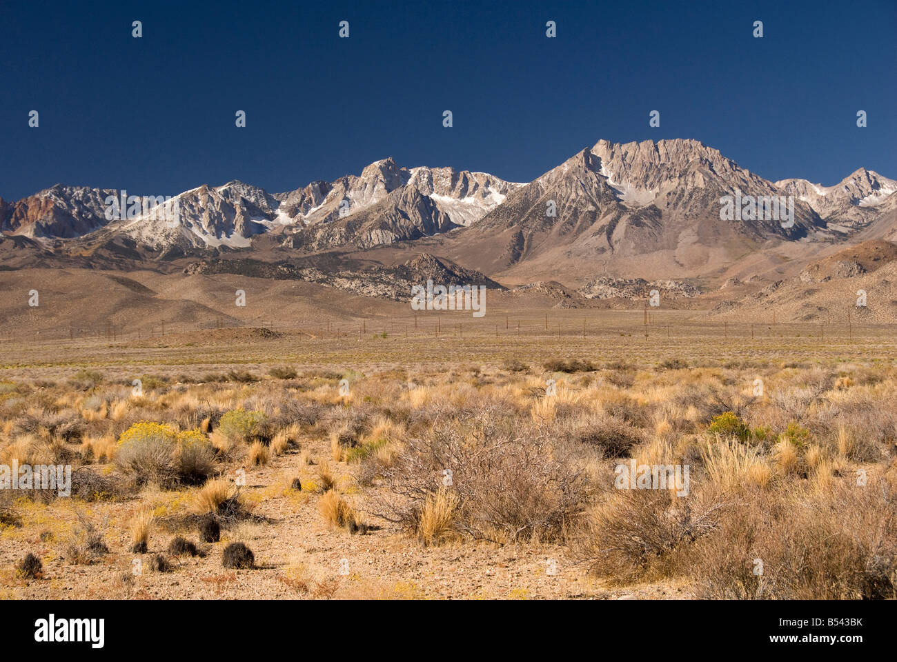 Eastern Sierra Mountain Range And High Plains Near Bishop - Mountain ranges of united states