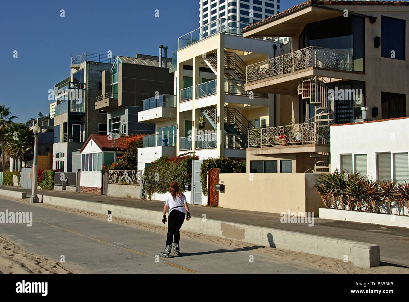 Santa monica ca oceanfront gold coast houses north of the for Beach house designs gold coast