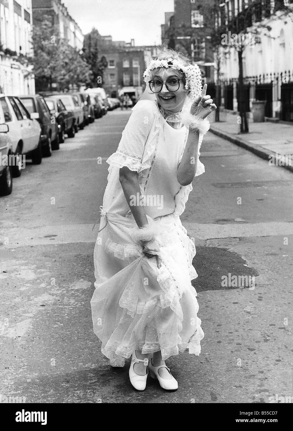 Su Pollard TV Actress From Hi De In Wedding Dress Street On Day To Peter Keogh 40