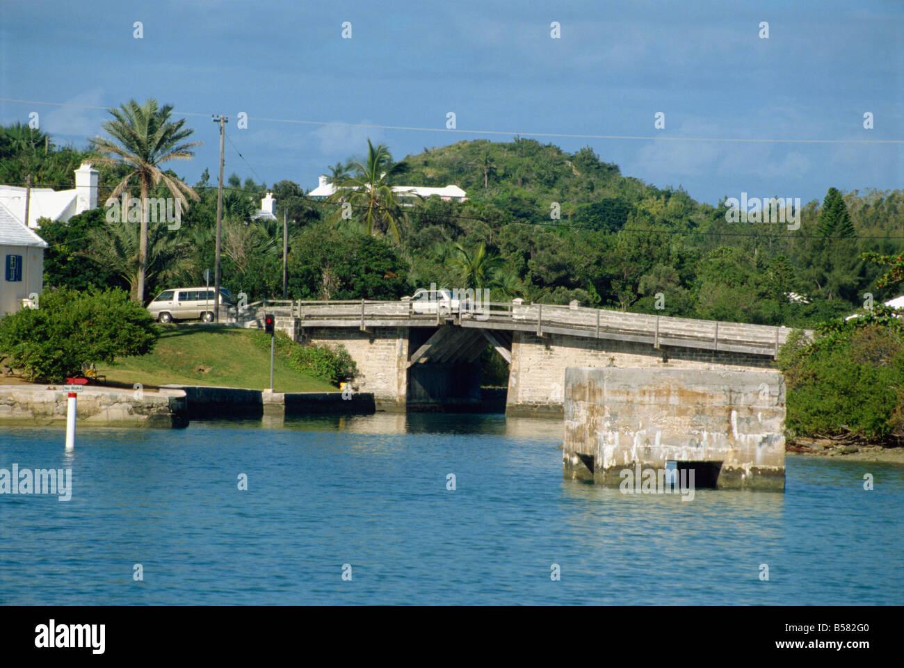 The Smallest Drawbridge In The World Somerset Bermuda Atlantic - Smallest ocean in the world
