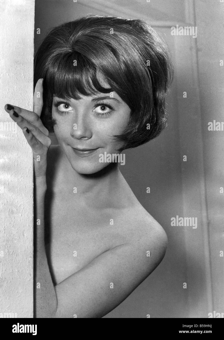 Actress linda thorson as a brunette january 1968 p008075 stock actress linda thorson as a brunette january 1968 p008075 thecheapjerseys Images