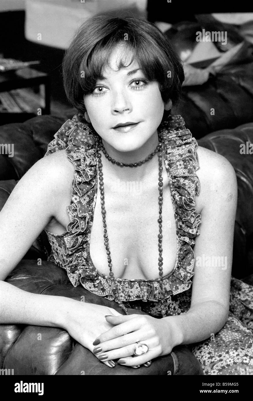 Avenger girl pictures of ex avenger girl linda thorson taken at avenger girl pictures of ex avenger girl linda thorson taken at her regents park flat april 1975 75 2234 001 thecheapjerseys Images