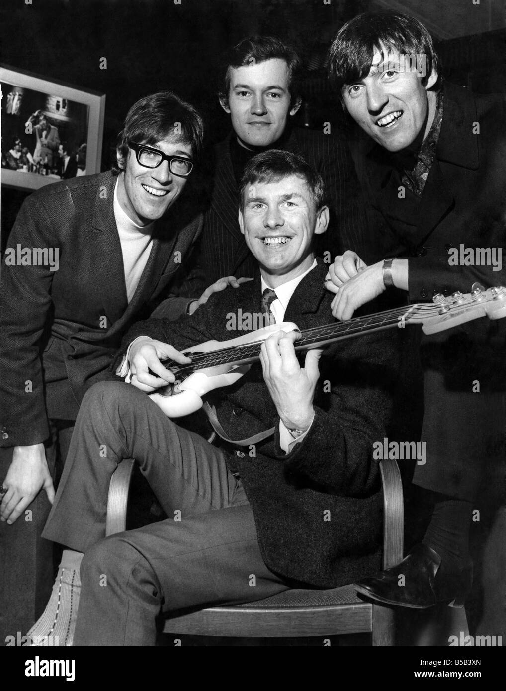 Cliff Richard And Young OnesFeaturing Hank Marvin Living Doll