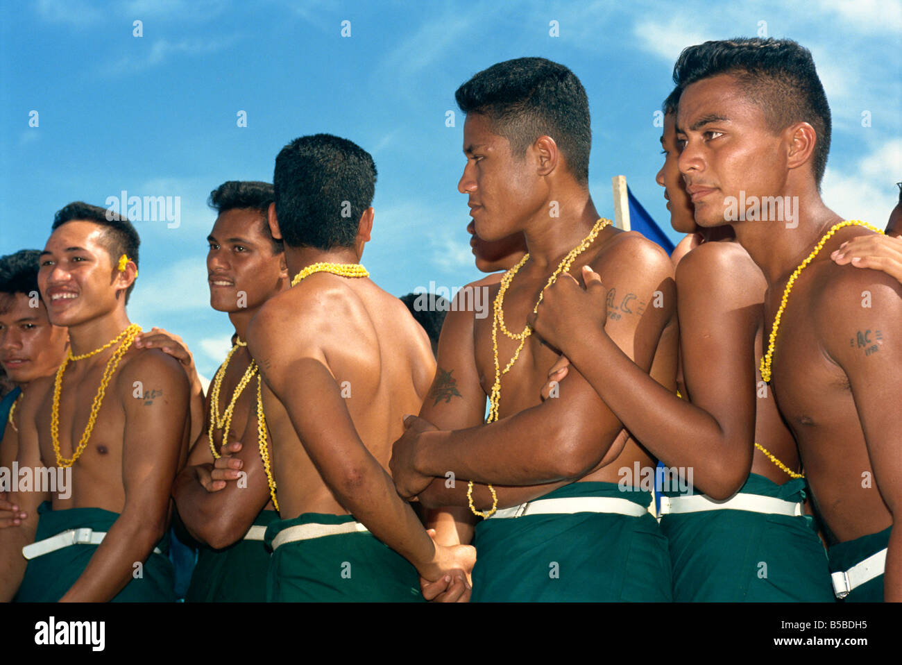pictures of samoan men