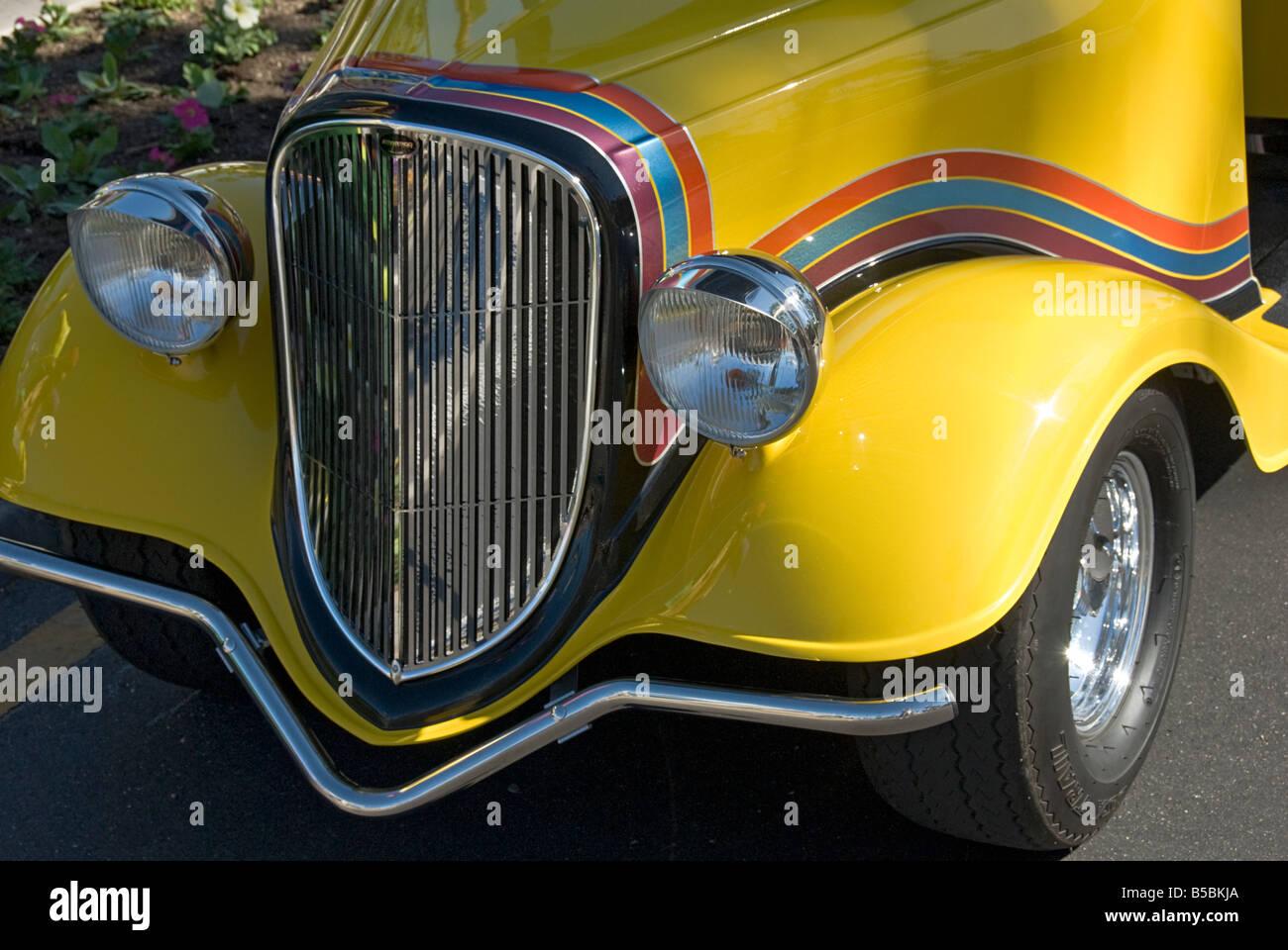 Palm desert ca golf buggy cart parade mardi gras desert for Desert motor palm desert ca