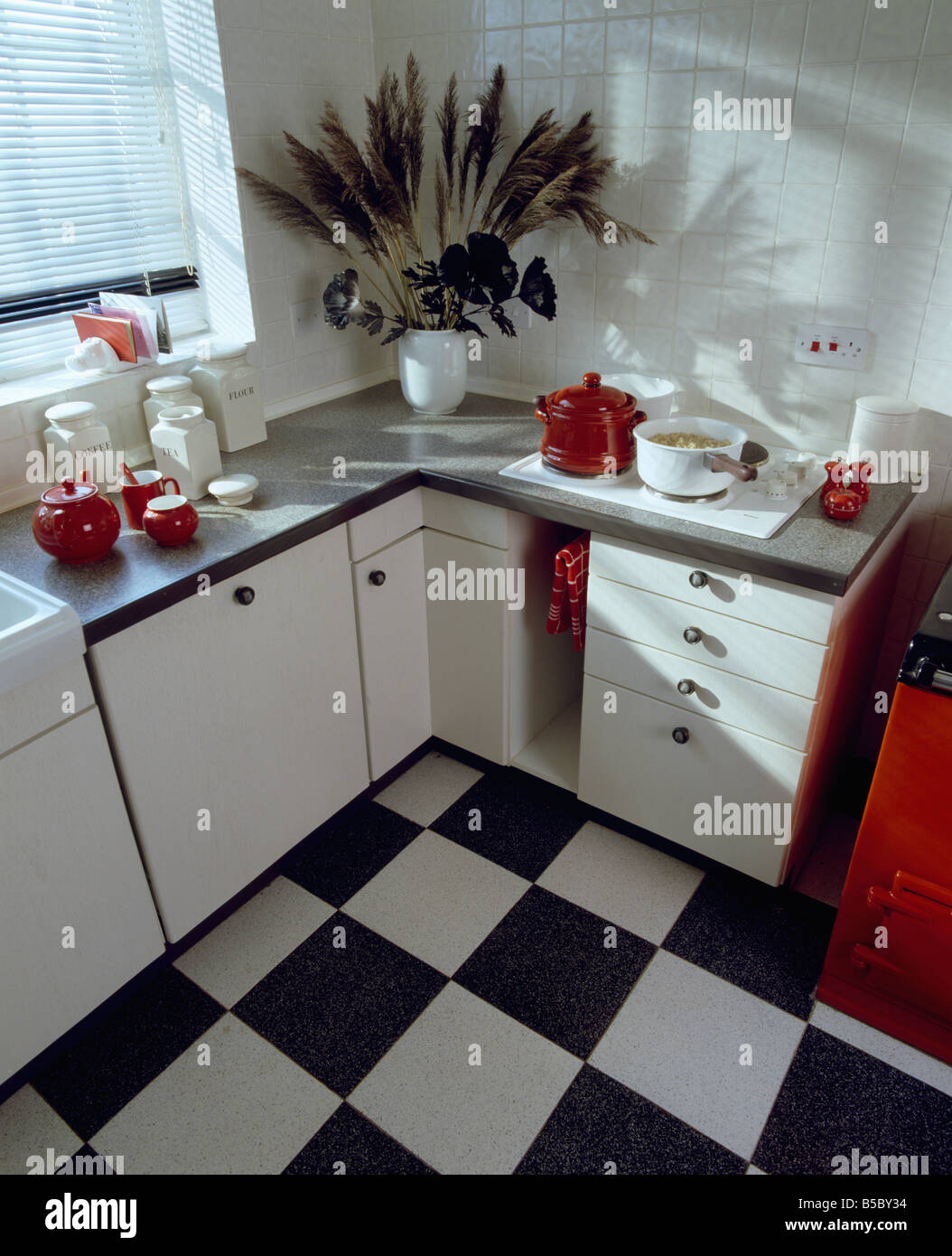 Vinyl Flooring Kitchens Black White Chequerboard Vinyl Flooring In White Country