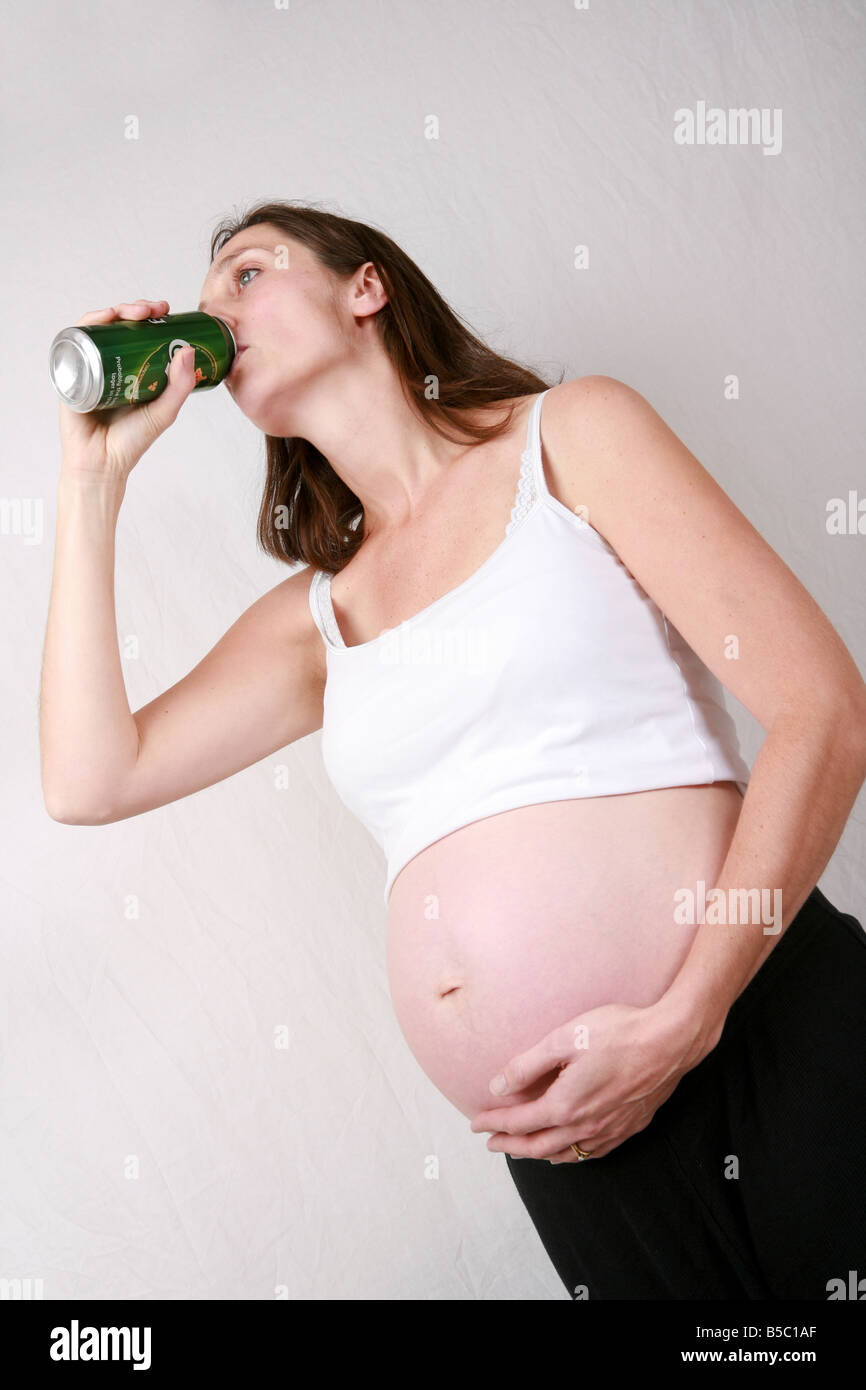 drinking wine while pregnant third trimester