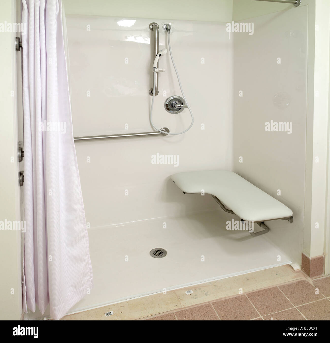 Elderly handicap shower stock photo royalty free image 20579161 alamy - Duchas geriatricas ...