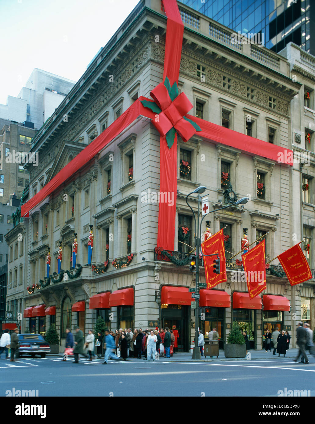 Christmas decoration on the exterior of Cartier apos s shop on 5th Stock Phot...