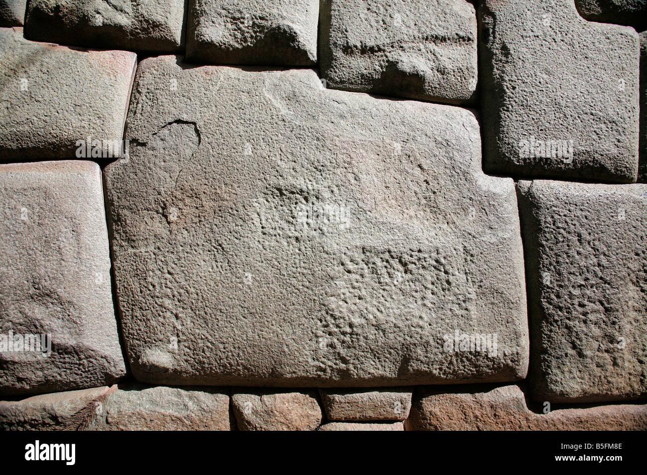 12 Sided Inca Hatunrumiyoc Stone Cuzco Stock Photo 60093427 ...