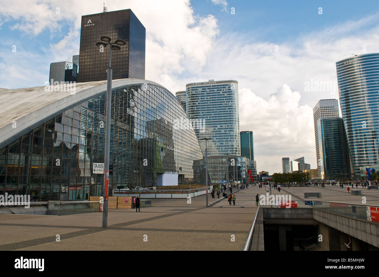 la defence business park in paris france stock photo royalty free image 20736545 alamy. Black Bedroom Furniture Sets. Home Design Ideas