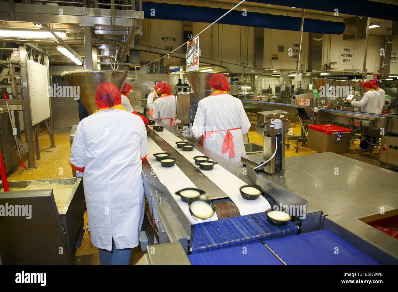 Assembly Line Worker : Frozen food production line workers england united