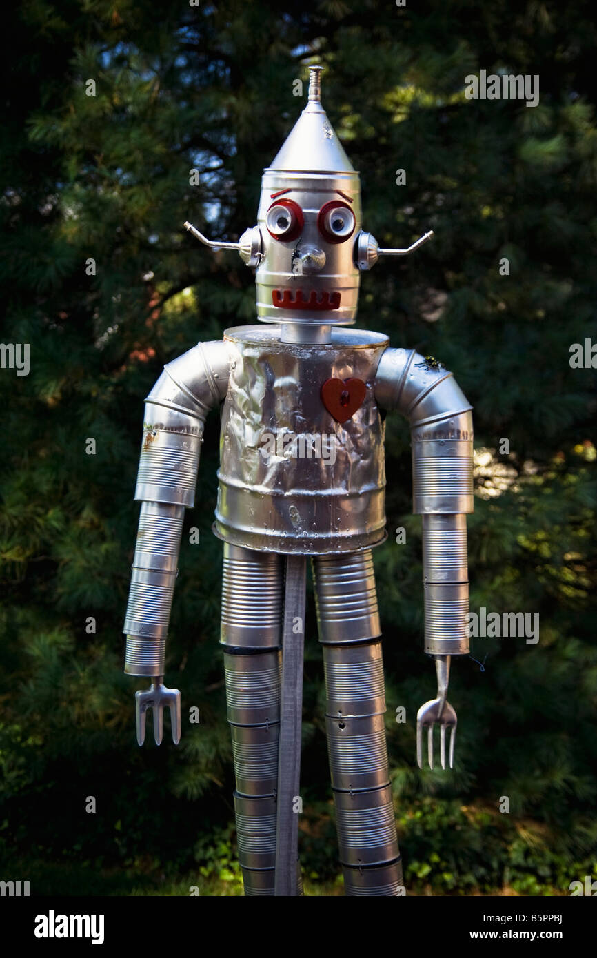 Tin man or robot made out of tin cans and gardening for Tin man out of cans