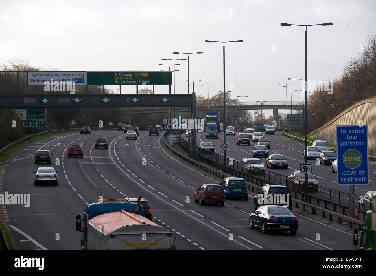 North Circular A406 London South Woodford Traffic Busy Cars ...