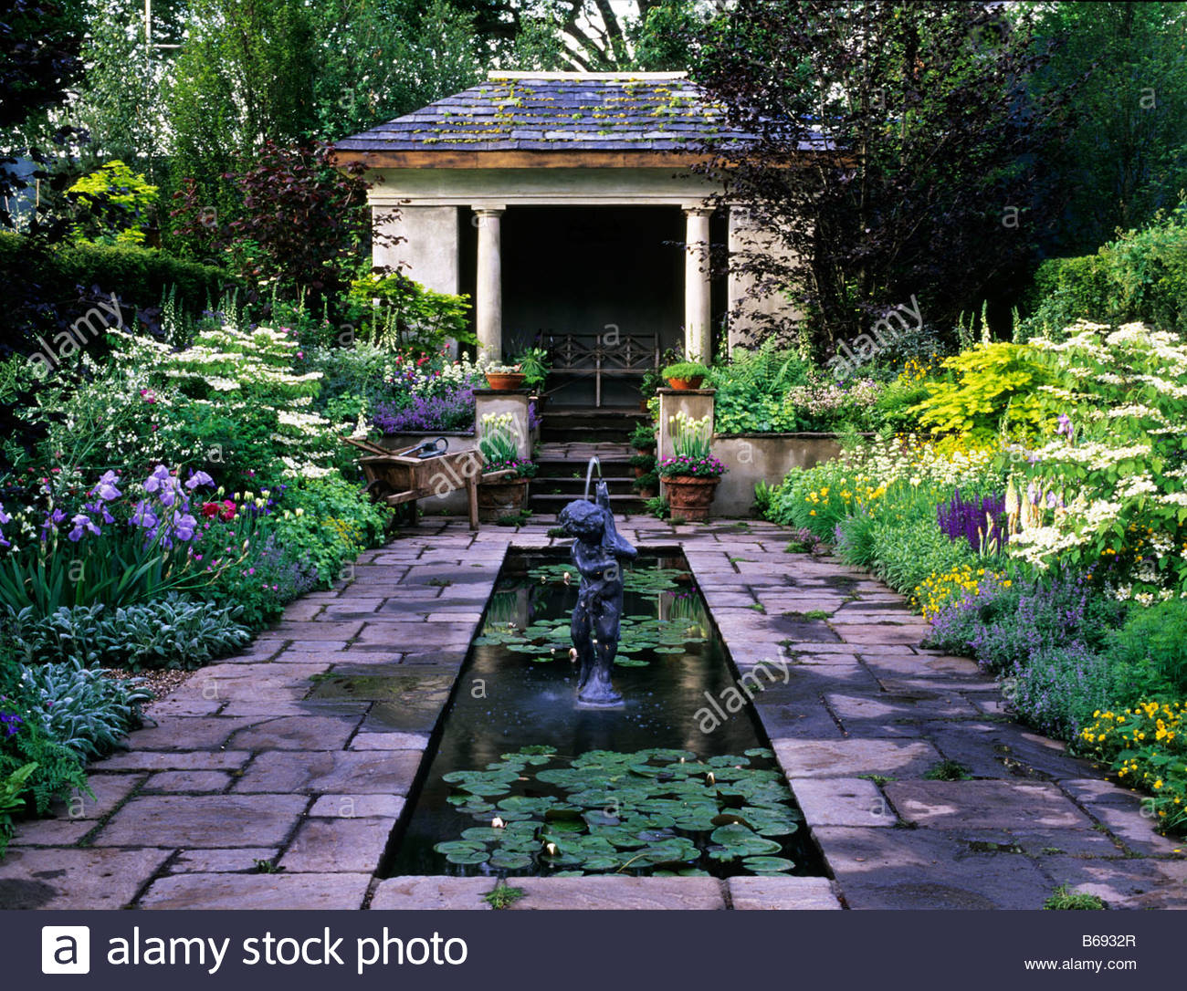 Chelsea FS 2006 Design Chris Bradshaw Formal pond in