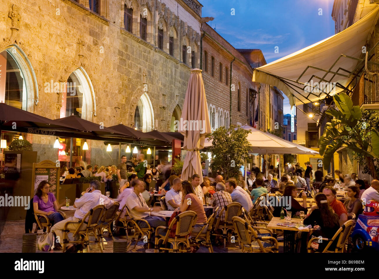 street cafes in the south of france city center perpignan europe stock photo 21104908 alamy. Black Bedroom Furniture Sets. Home Design Ideas