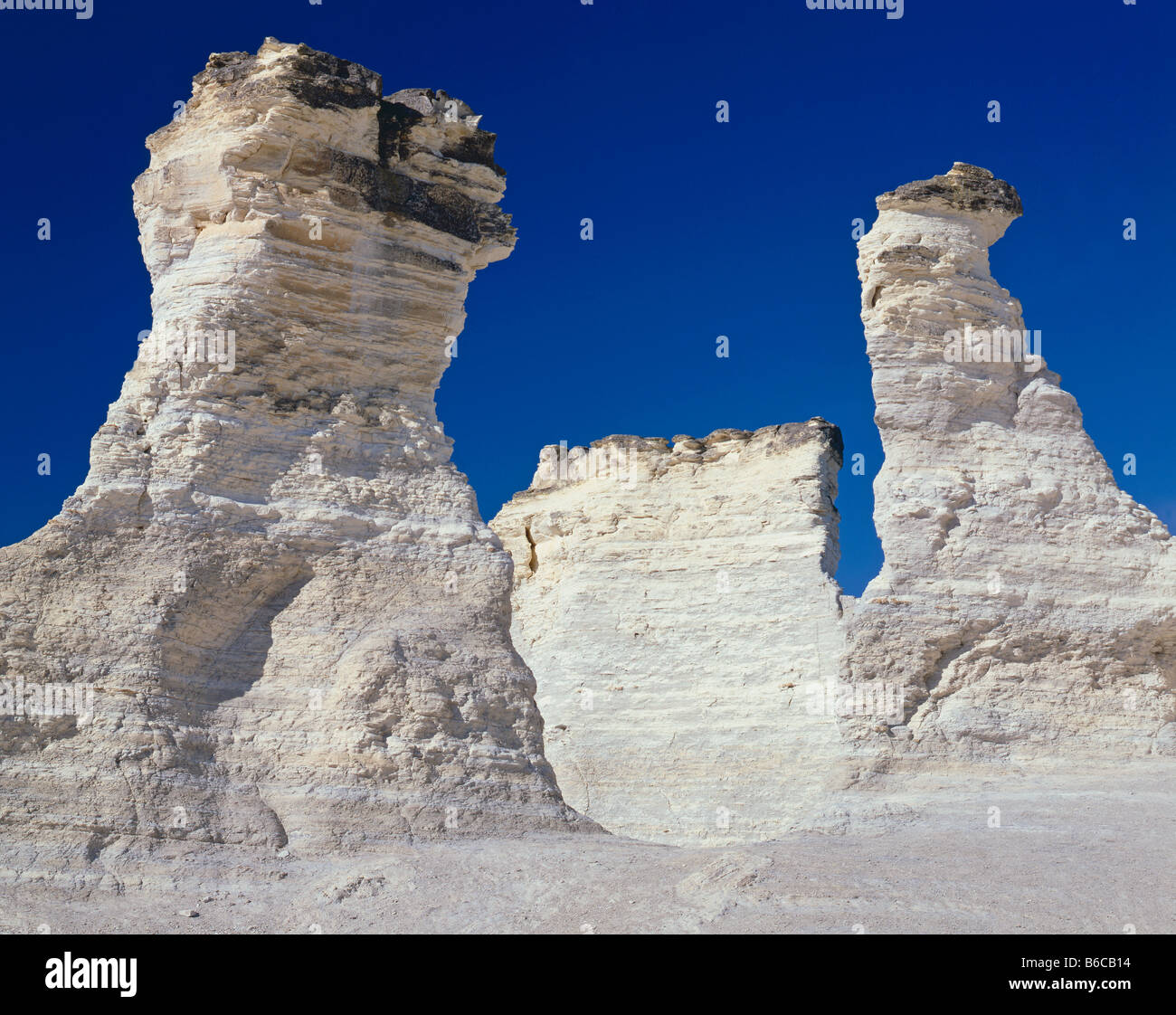 Kansas gove county grinnell - Kansas Monument Rocks A National Natural Landmark Know As The Kansas Badlands In Gove County