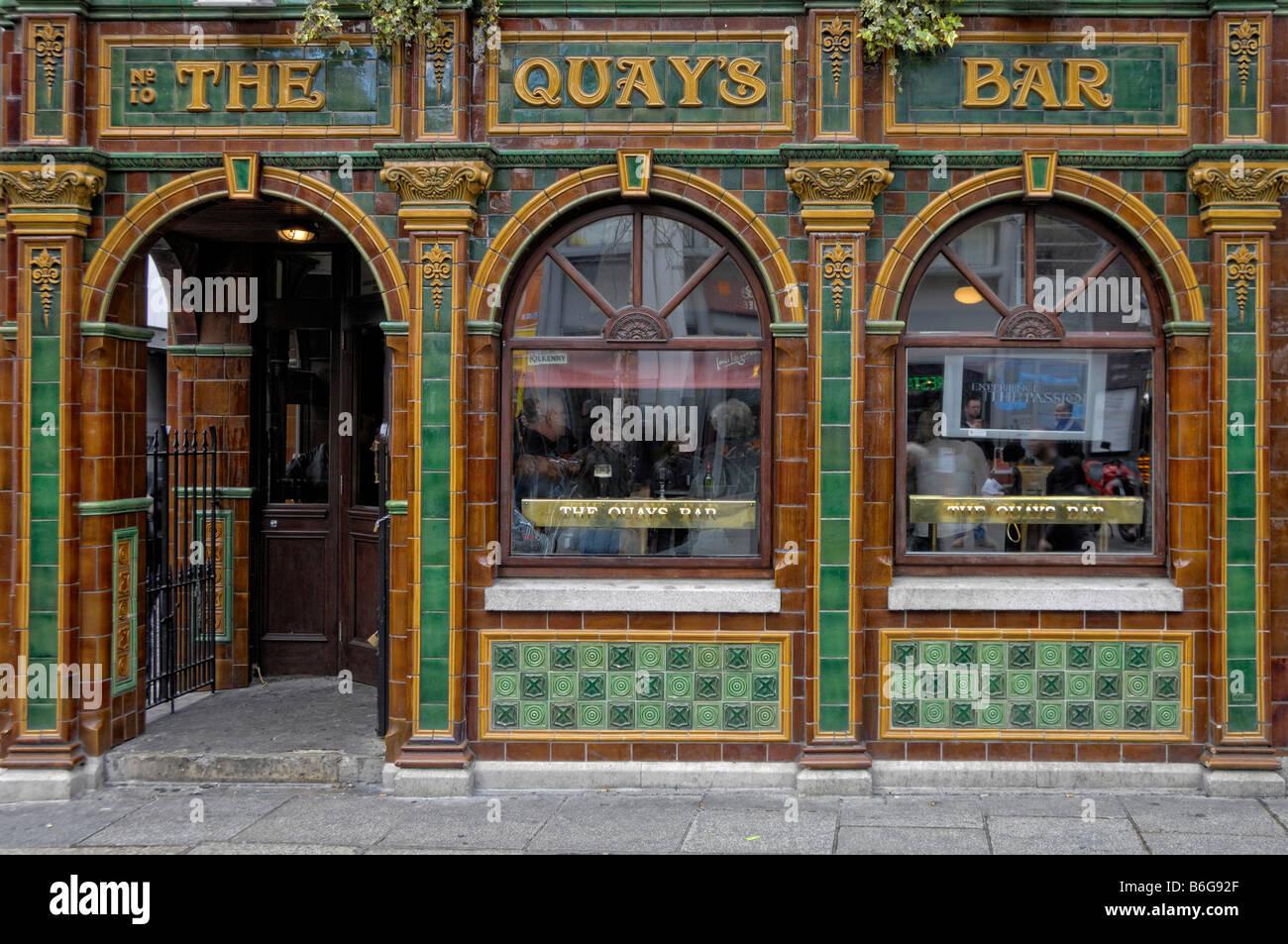 Traditional Irish Pub Facade Temple Bar Dublin Stock Photo, Royalty ...