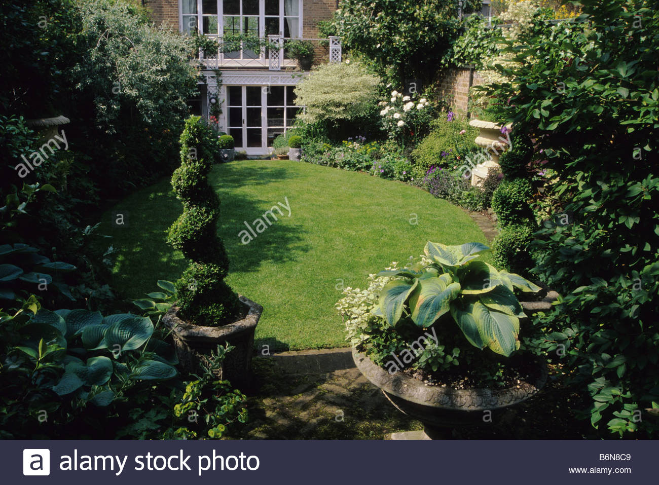Camden house design home design and style for Small square garden designs