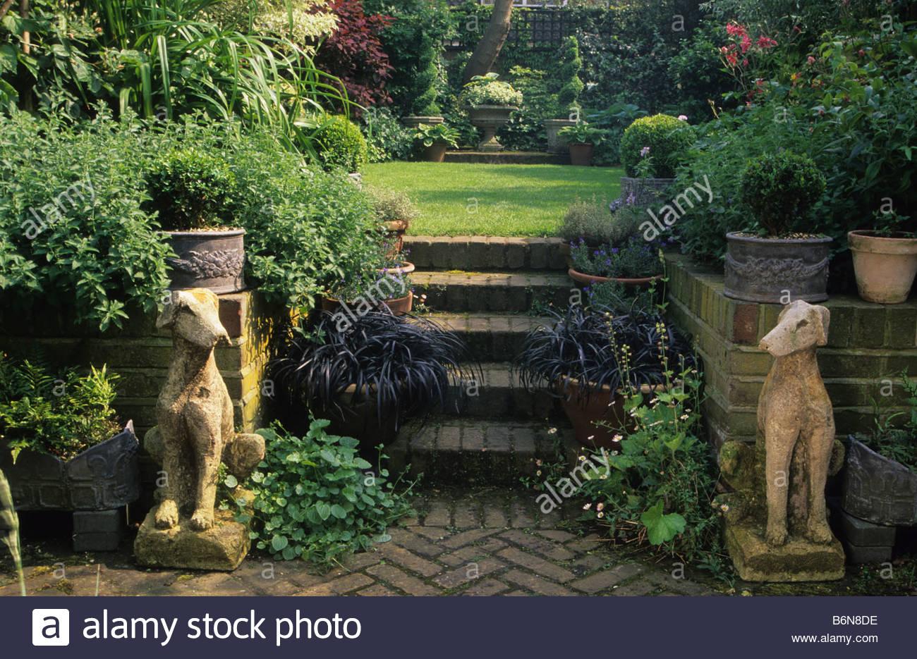 camden hill square london small town garden design penelope hobhouse - Garden Design On A Hill
