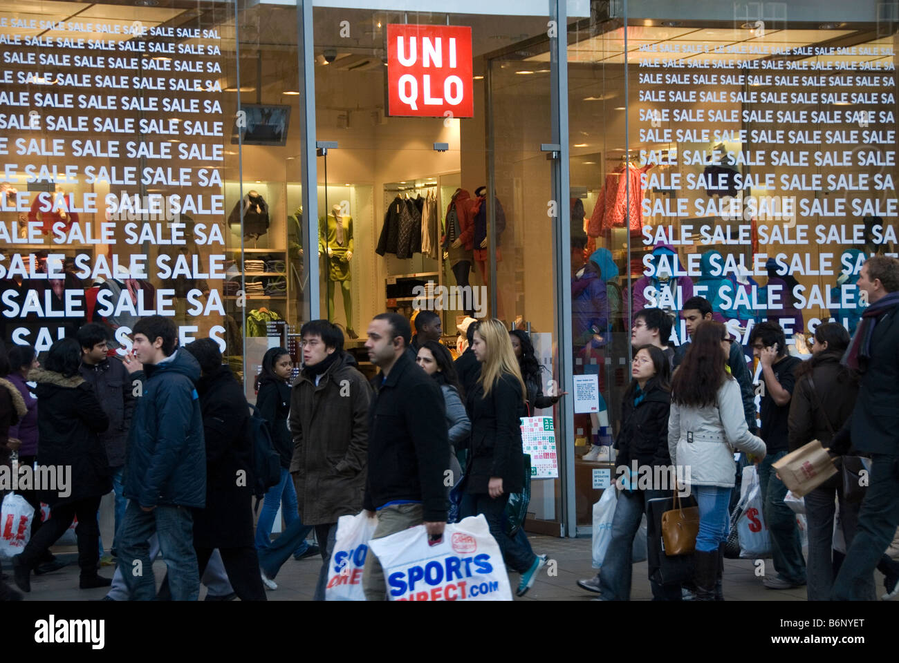 Boxing Day sales , Oxford Street. People outside Uniqlo Stock ...