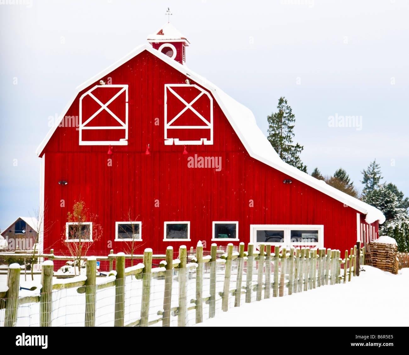 Gambrel roof elegant gambrel roof home plansdutch for Gambrel barns for sale