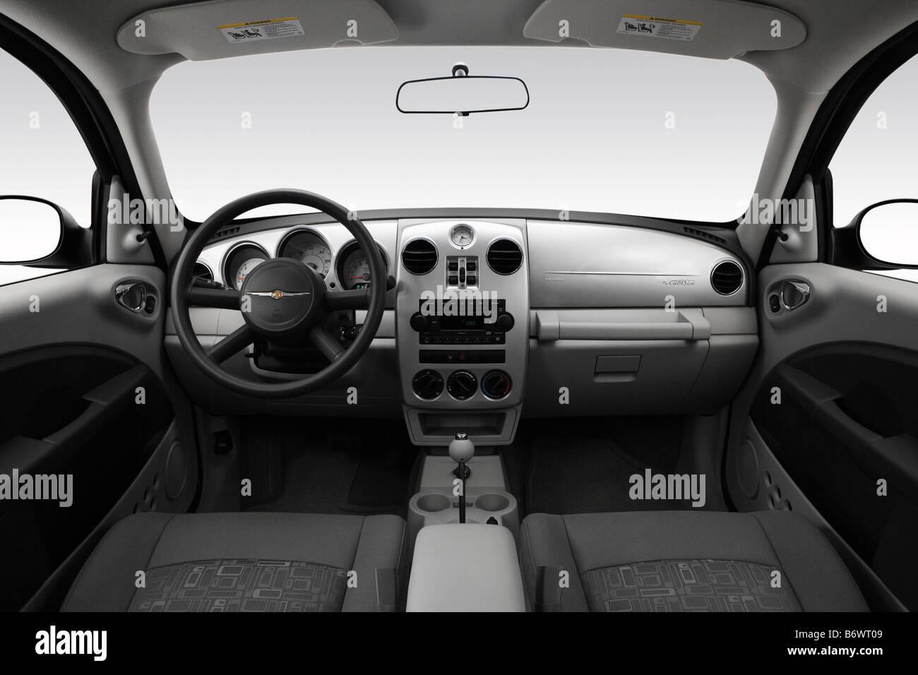 2009 chrysler pt cruiser in silver dashboard center console gear shifter view