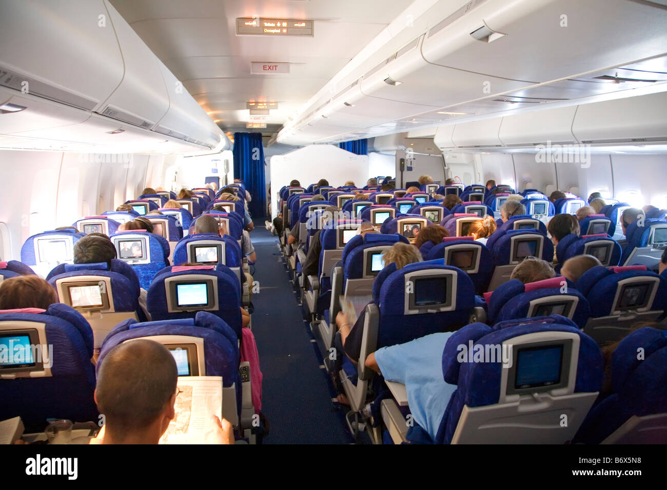 Interior of long haul flight in boeing 747 stock photo for Boeing 747 8 interieur