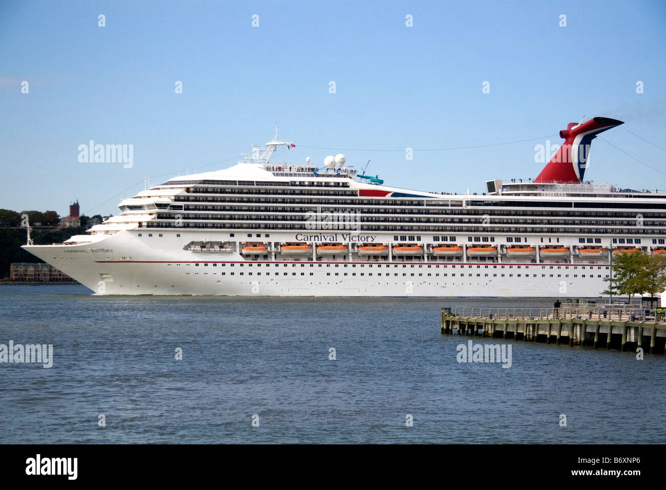 Carnival Victory Cruise Ship On The Hudson River In New York City - Cruise ship victory
