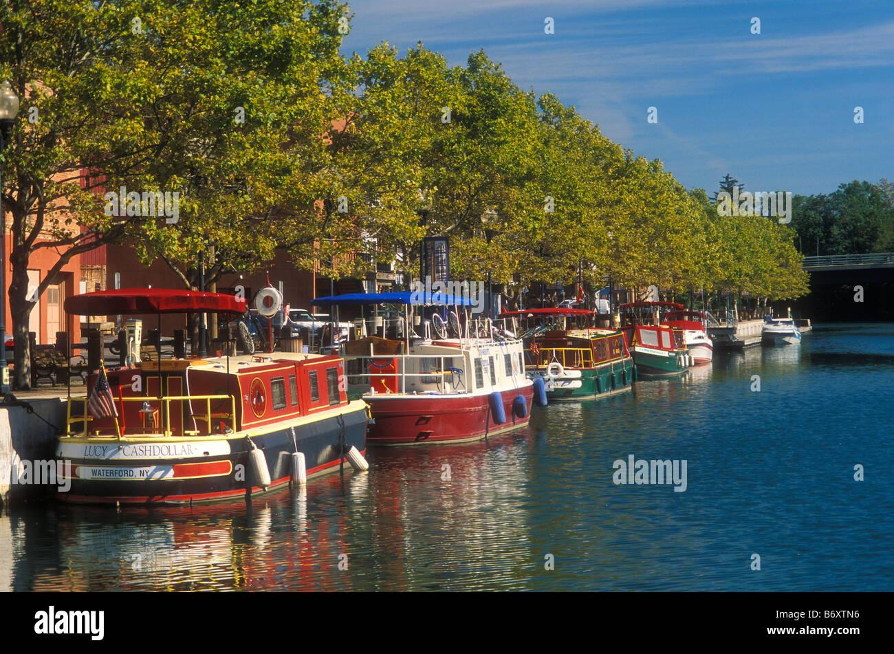 Citaten Seneca Falls : Canal boats seneca falls new york usa stock photo
