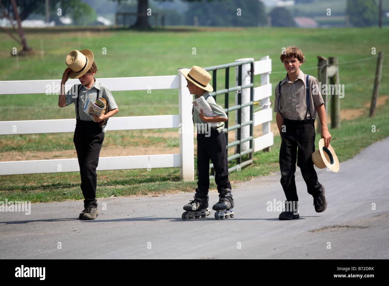 Roller skating lancaster pa - Amish Boys In Lancaster Pennsylvania Wearing Roller Blades
