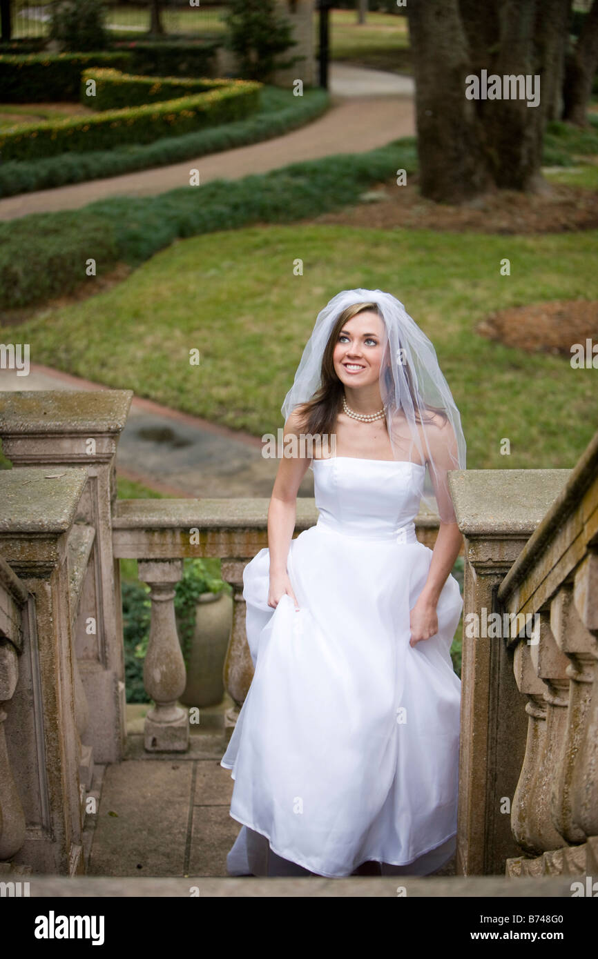 Free young bride pics for Wedding dresses for young brides