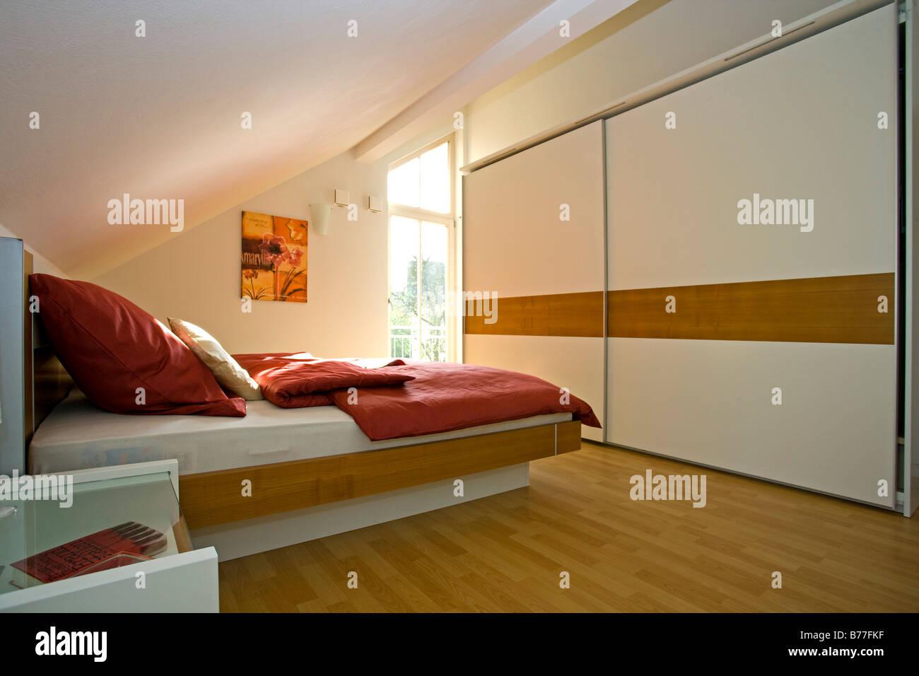 modernes schlafzimmer modern bedroom stock photo royalty free image 21678931 alamy. Black Bedroom Furniture Sets. Home Design Ideas