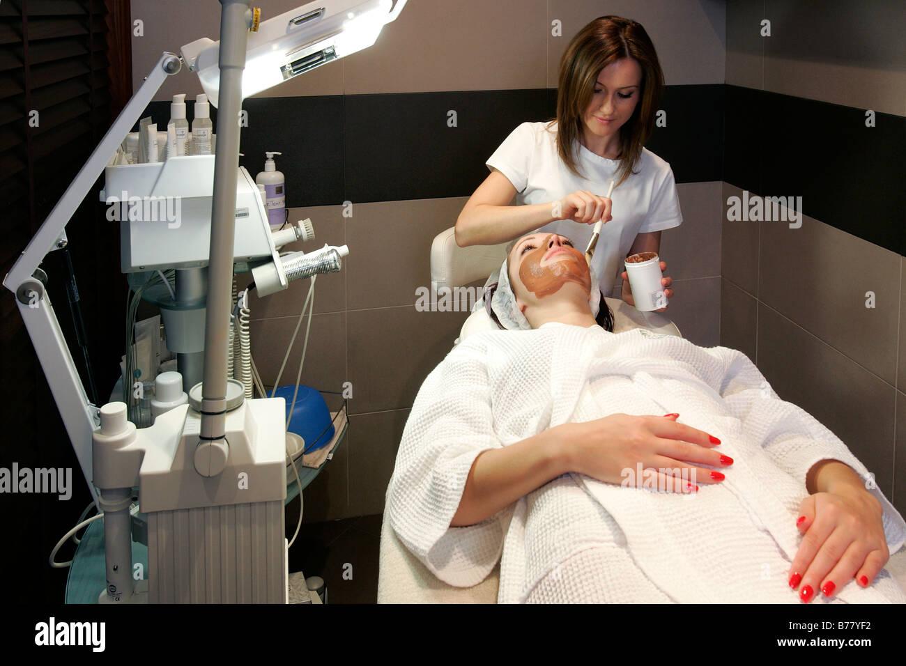 hotel spa water bath Jacuzzi sauna facial treatment relaxing ...