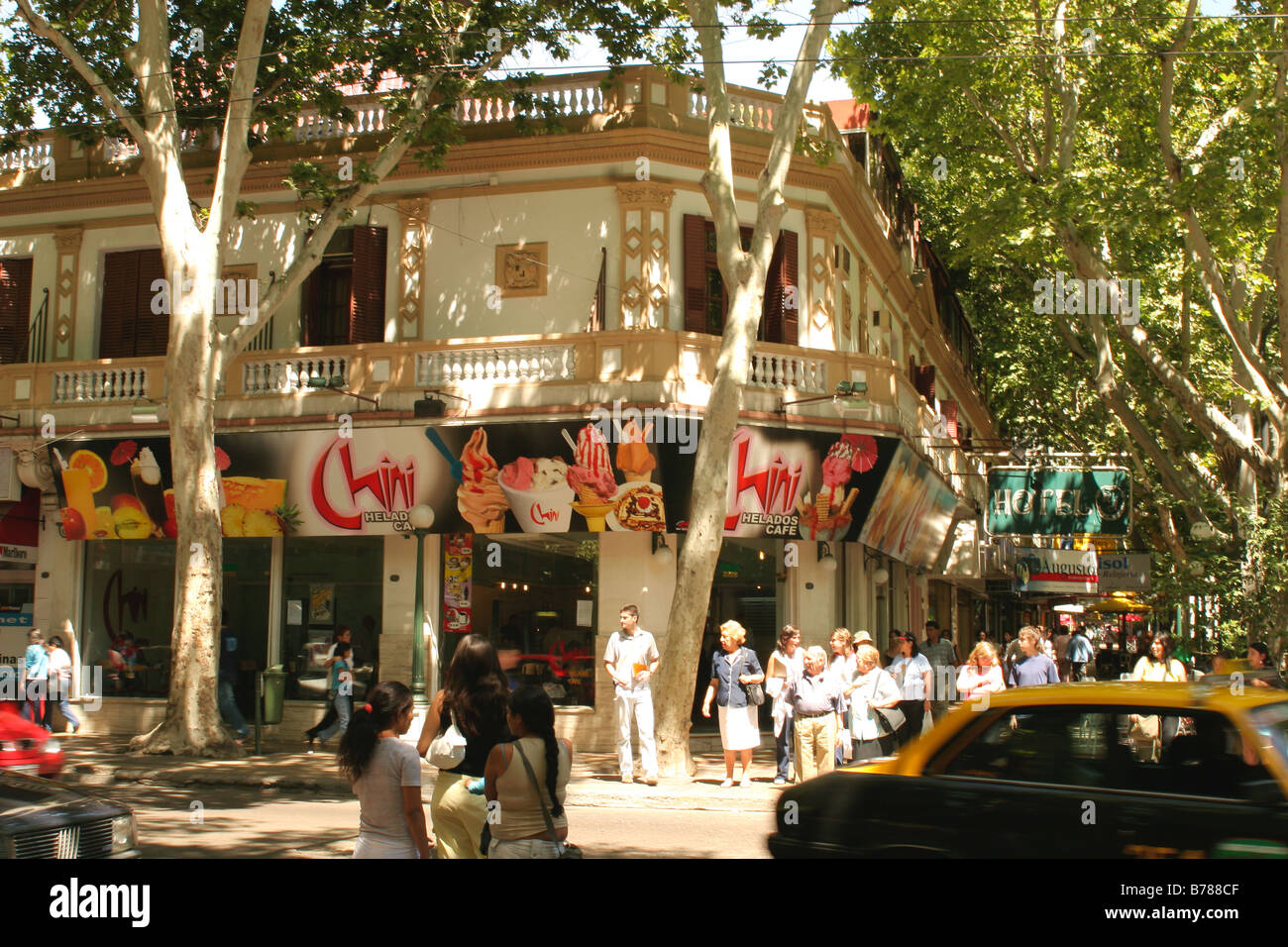 An ice cream shop on a street corner in mendoza argentina for 788 food bar argentina