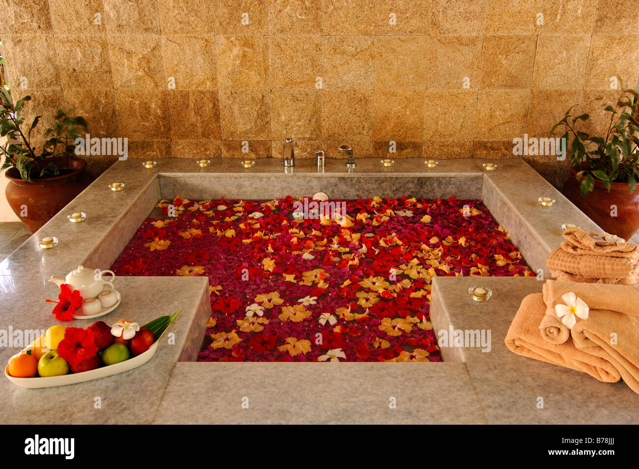 Flower petals bath, Aquum Spa, Full Moon Resort, The Maldives ...
