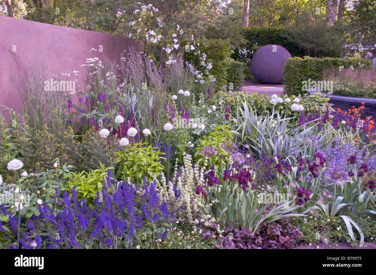RHS Chelsea Flower Show 2008 The Bupa Garden Stock Royalty Free Image