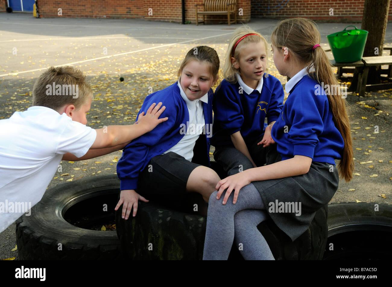 School bullying - Wikipedia