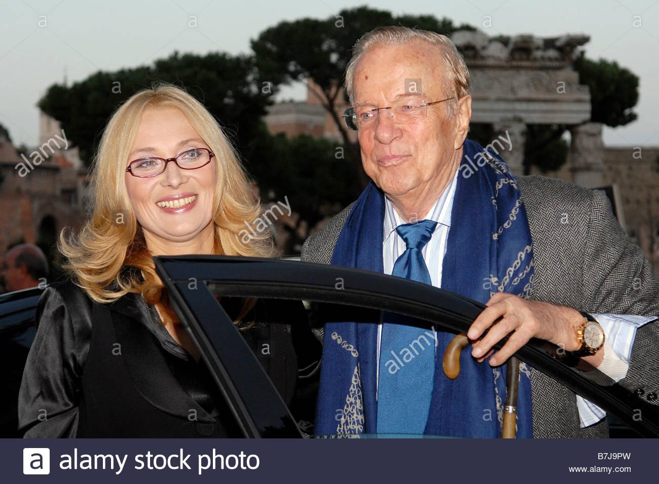 Nicoletta mantovani and franco zeffirelli roma 16 10 2008 for Luciano pavarotti nicoletta mantovani