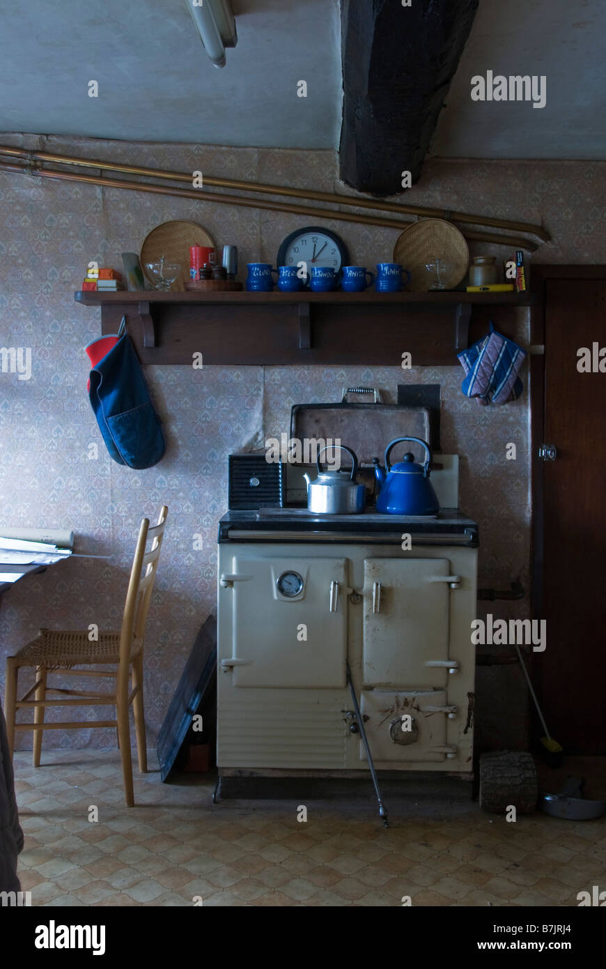 Farm Kitchen Old Welsh Farm Kitchen With Old Rayburn Cooker Uk Stock Photo