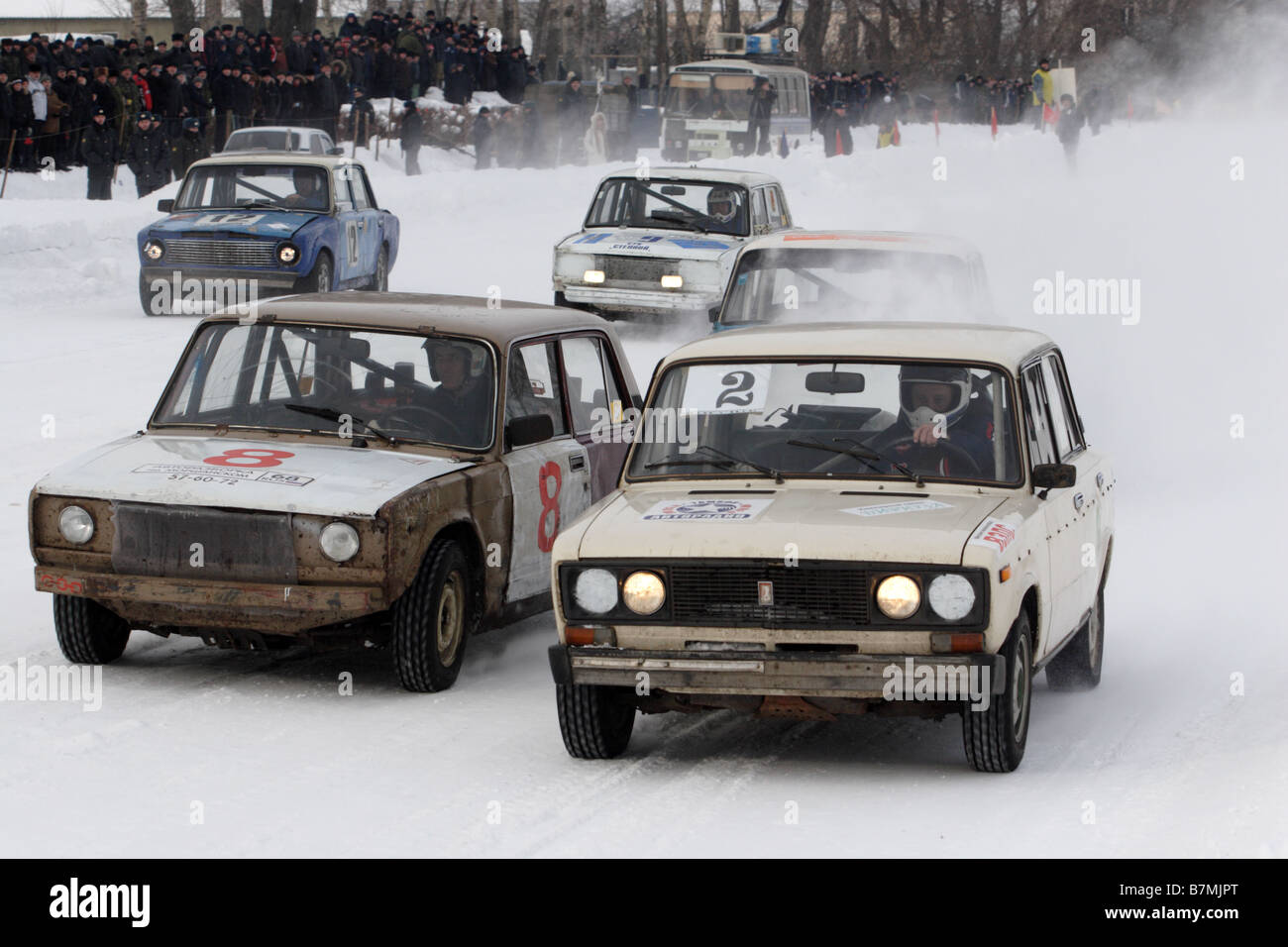 lada 2106 at the winter rally in tambov russia stock photo royalty free image 21966752 alamy. Black Bedroom Furniture Sets. Home Design Ideas
