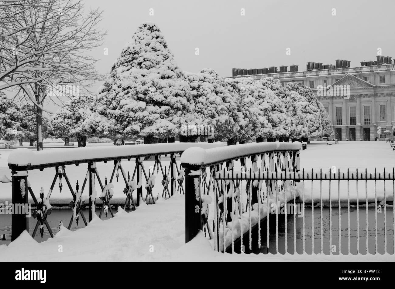 Hampton Court Palace And Garden In Snow Home Park Surrey UK Stock