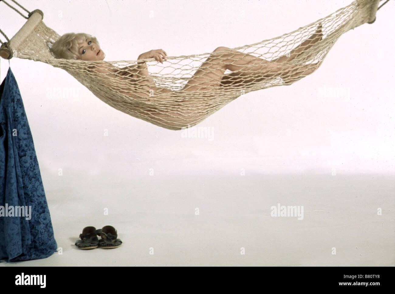 Fotos de Stella Stevens - Videos y Fotos de Stella Stevens