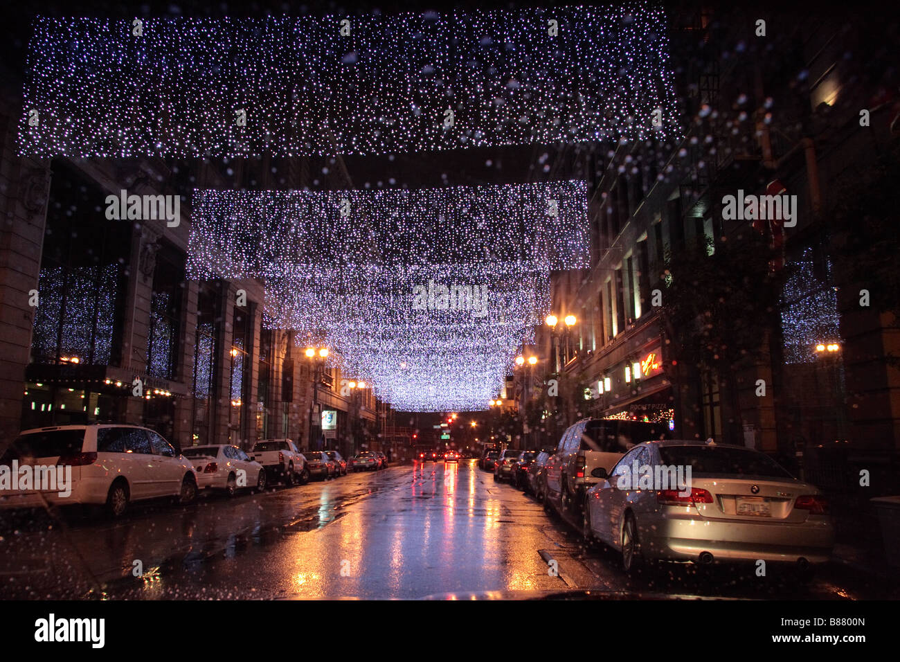 4th Street Los Angeles with Christmas light decorations on rainy ...