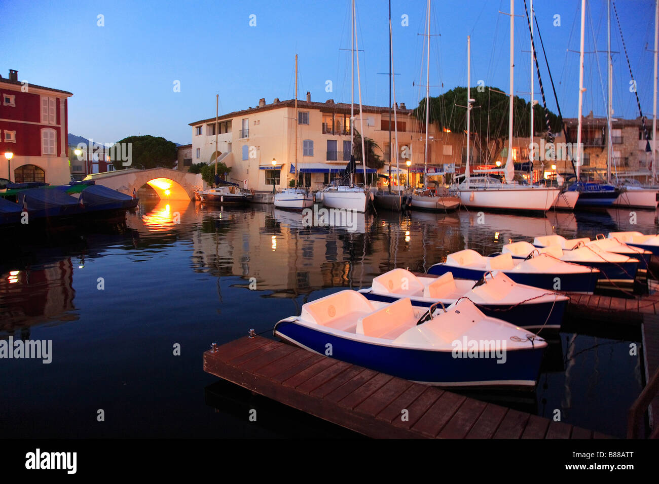 port grimaud marina cote d 39 azur stock photo royalty free image 22311768 alamy. Black Bedroom Furniture Sets. Home Design Ideas