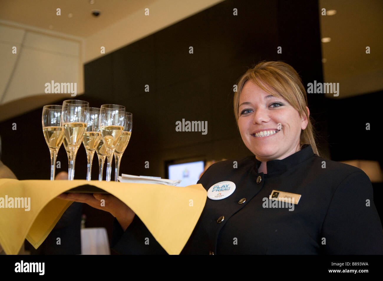 Detroit casinos free drinks players island casino il