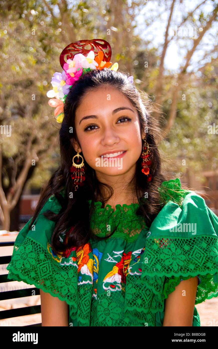 san antonio single hispanic girls I'd lived previously in brownsville, san antonio, el paso, and houston, and i'd   of latinos, it irked me that the city was obsessed with latin american culture   austin had tried and failed six times to pass a single-member-district ballot  initiative  i passed two very proud parents and a girl in a flaming hot-pink  quinceañera.