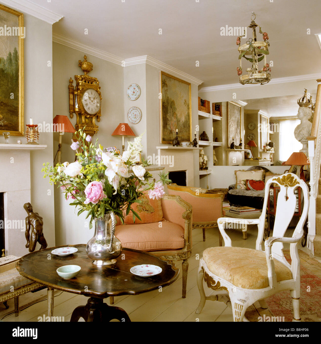 London Drawing Room With 18th And 19th Century Furniture And Artefacts