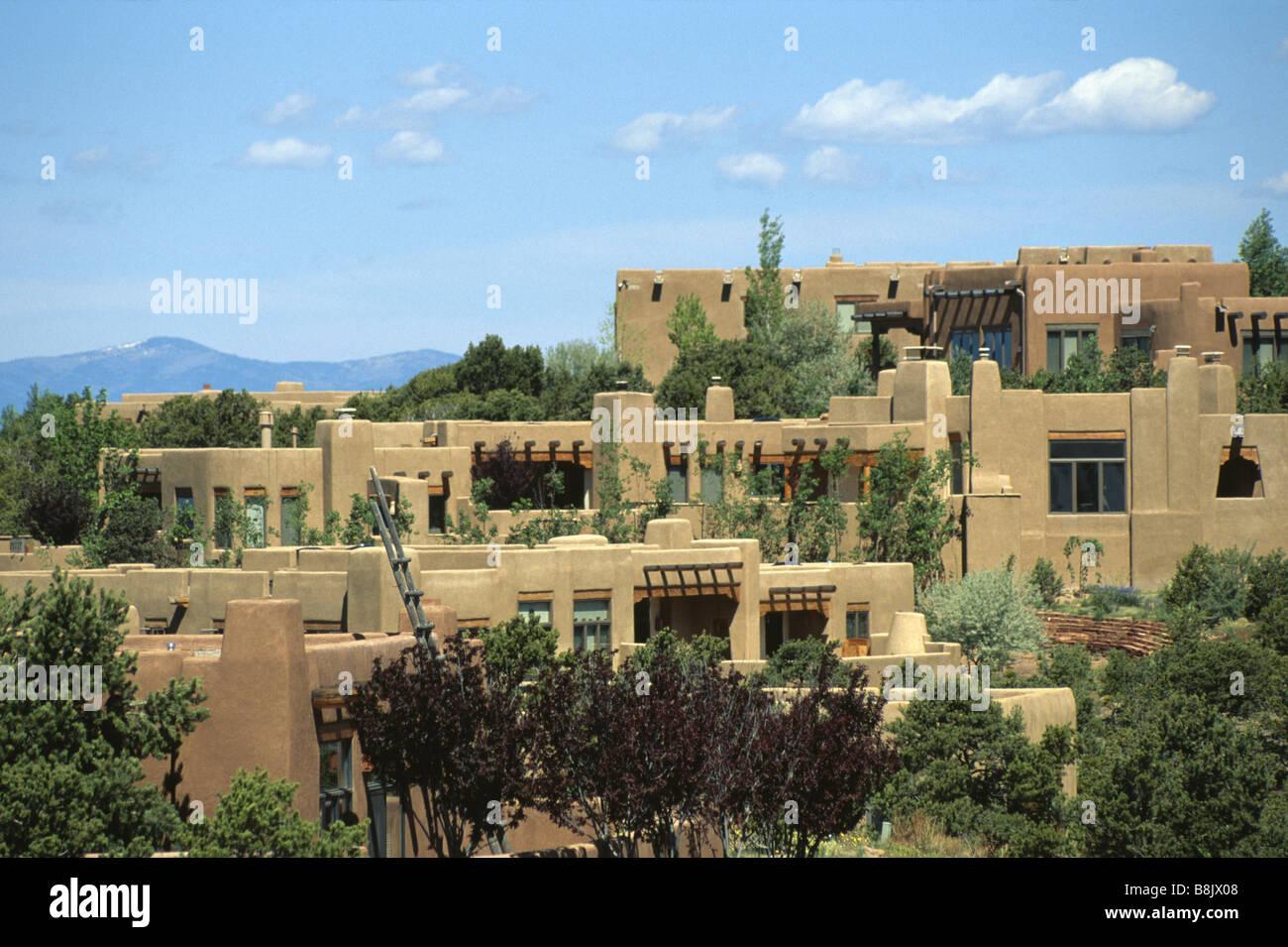 Adobe houses in a residential neighborhood of santa fe new for Santa fe adobe homes
