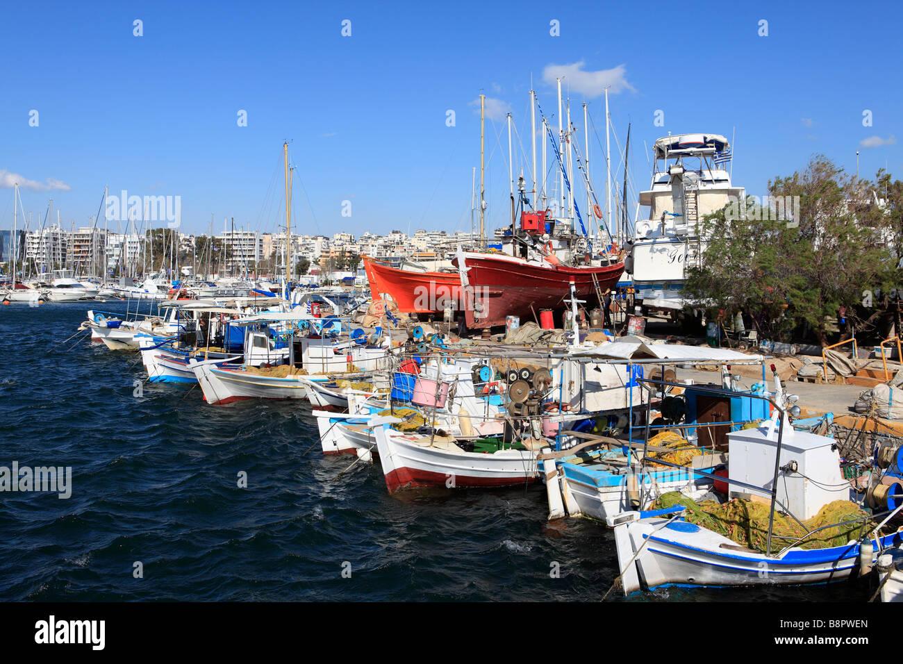 Know your Geography 2 - Page 3 Greece-attiki-athens-kalamaki-alimos-yacht-marina-B8PWEN